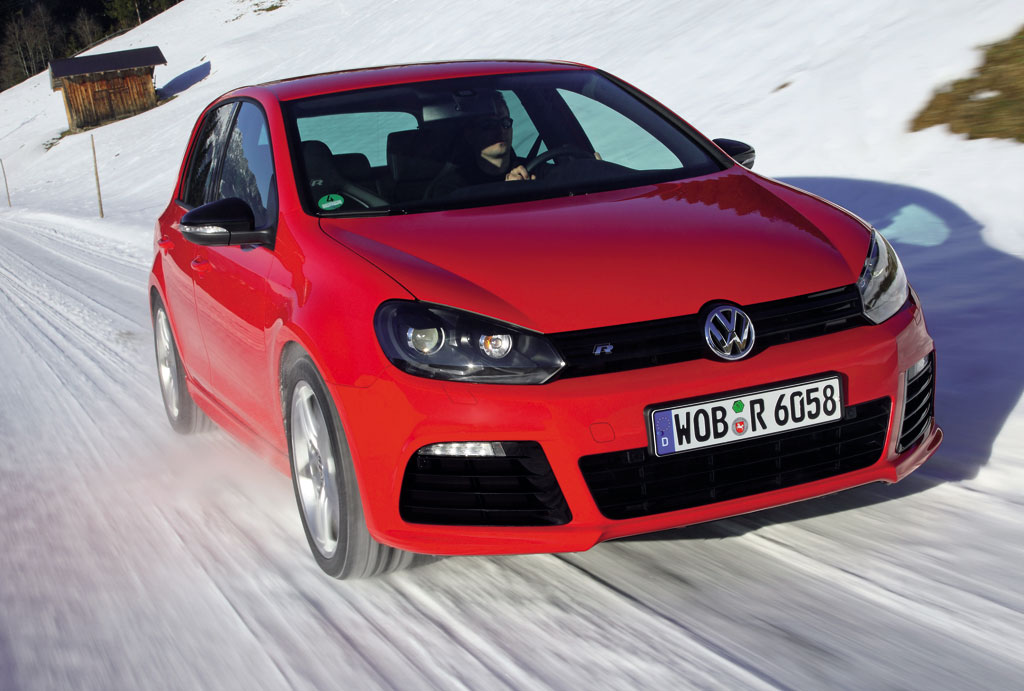 Volkswagen Golf R red 13