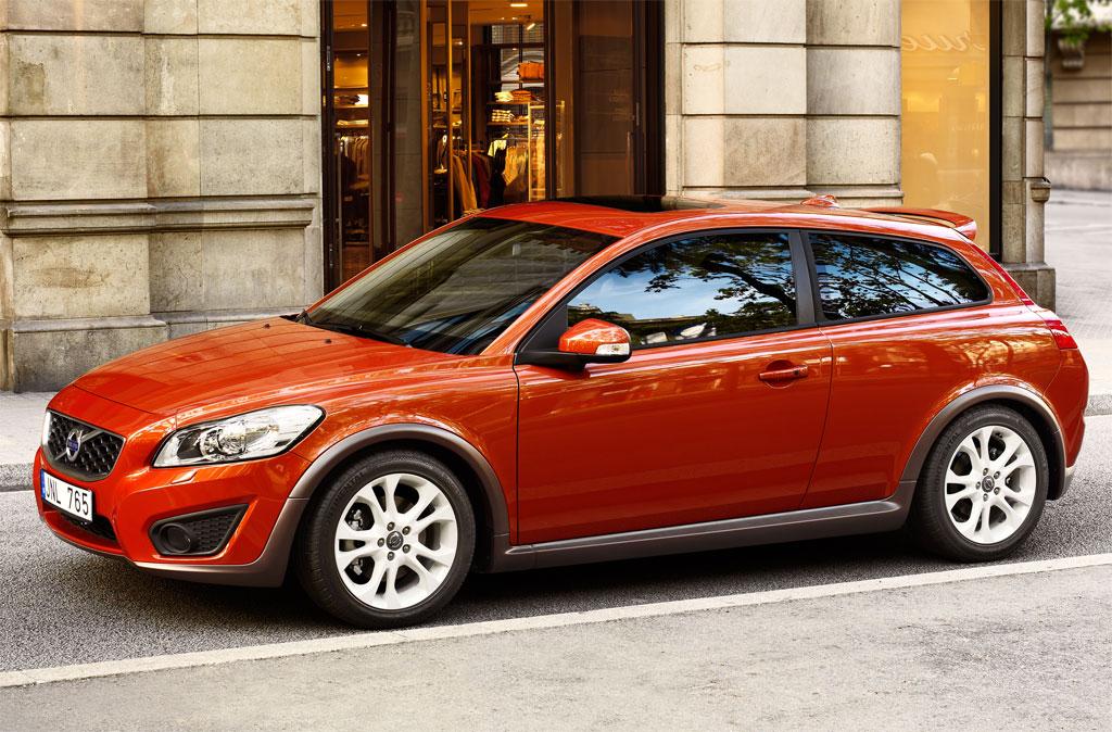2010 Volvo C30 facelift 3.jpg