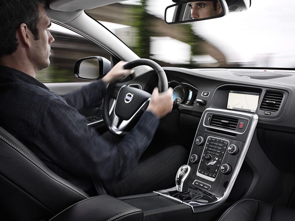 Volvo V60 Hybrid Photo 10 11931