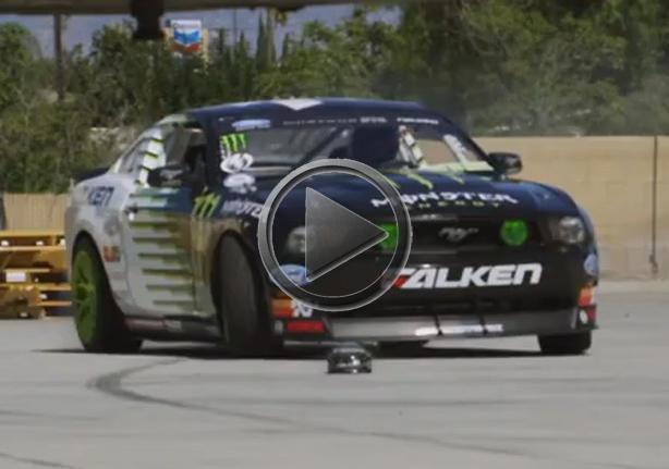 Drifting Ford Mustang Vs Rc Car