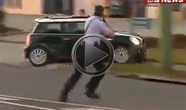 Mini Cooper Avoids Spike Strips And Police